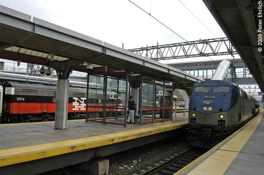 (188k, 864x574)<br><b>Country:</b> United States<br><b>System:</b> Metro-North Railroad (or Amtrak or Predecessor RR)<br><b>Line:</b> Metro North-New Haven Line<br><b>Location:</b> Stamford<br><b>Car:</b> MNRR/NH FL9 2014 <br><b>Photo by:</b> Peter Ehrlich<br><b>Date:</b> 7/22/2008<br><b>Notes:</b> With Amtrak Genesis 842 on an arriving Shore Line East train.<br><b>Viewed (this week/total):</b> 2 / 1007