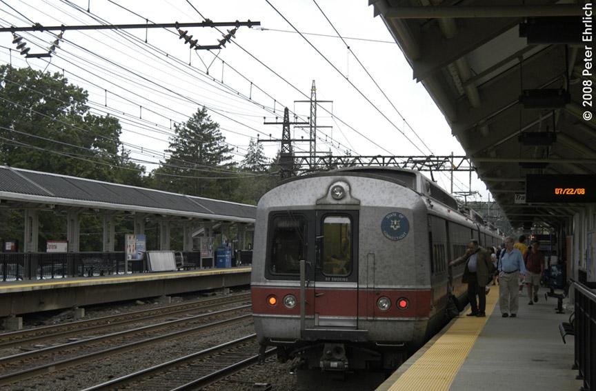 (188k, 864x567)<br><b>Country:</b> United States<br><b>System:</b> Metro-North Railroad (or Amtrak or Predecessor RR)<br><b>Line:</b> Metro North-New Haven Line<br><b>Location:</b> Darien<br><b>Car:</b> MNRR M-6 EMU (Morrison-Knudsen) 9014 <br><b>Photo by:</b> Peter Ehrlich<br><b>Date:</b> 7/22/2008<br><b>Notes:</b> Inbound.<br><b>Viewed (this week/total):</b> 1 / 878