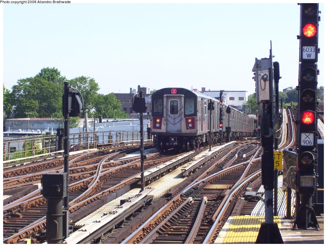 (280k, 1044x791)<br><b>Country:</b> United States<br><b>City:</b> New York<br><b>System:</b> New York City Transit<br><b>Line:</b> IRT White Plains Road Line<br><b>Location:</b> 238th Street (Nereid Avenue)<br><b>Car:</b> R-142 (Primary Order, Bombardier, 1999-2002) 6575 <br><b>Photo by:</b> Aliandro Brathwaite<br><b>Date:</b> 7/25/2008<br><b>Viewed (this week/total):</b> 1 / 2705