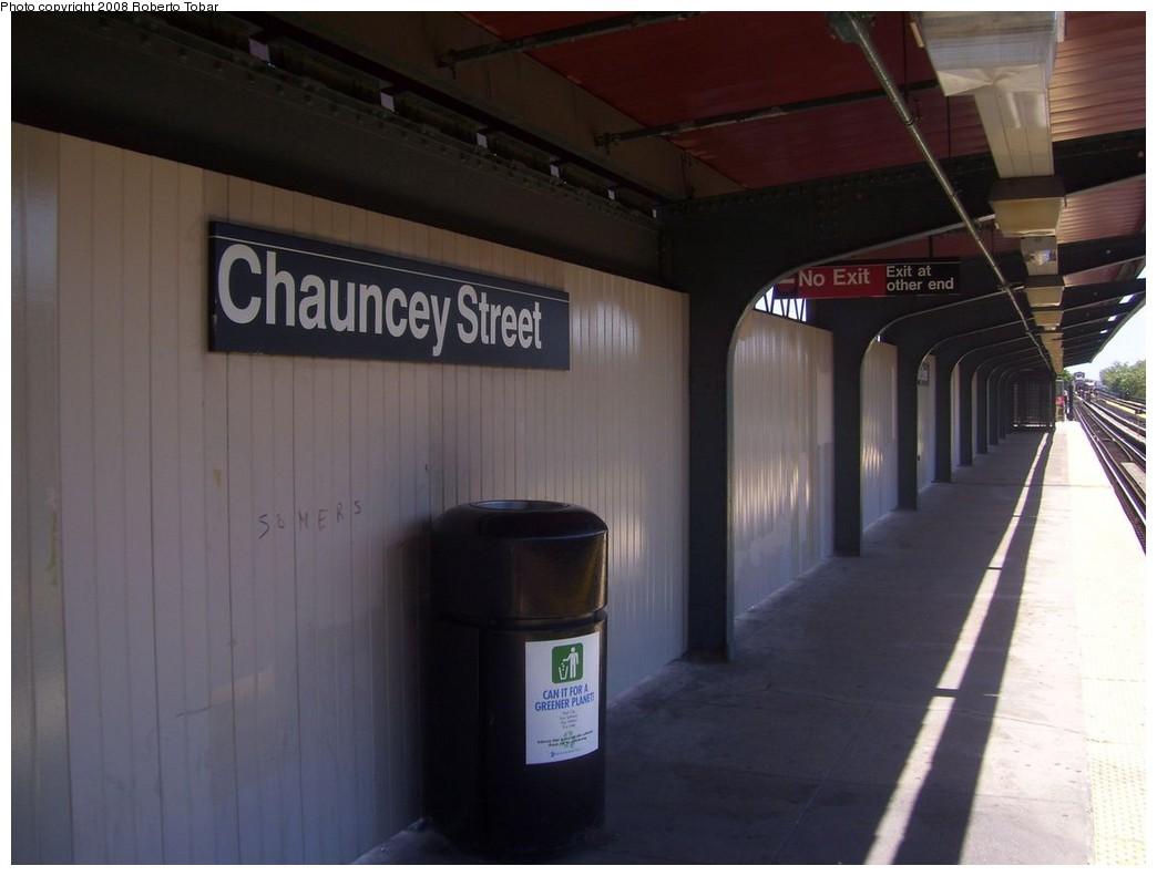 (144k, 1044x791)<br><b>Country:</b> United States<br><b>City:</b> New York<br><b>System:</b> New York City Transit<br><b>Line:</b> BMT Nassau Street-Jamaica Line<br><b>Location:</b> Chauncey Street<br><b>Photo by:</b> Roberto C. Tobar<br><b>Date:</b> 8/16/2008<br><b>Notes:</b> Platform view.<br><b>Viewed (this week/total):</b> 1 / 1527