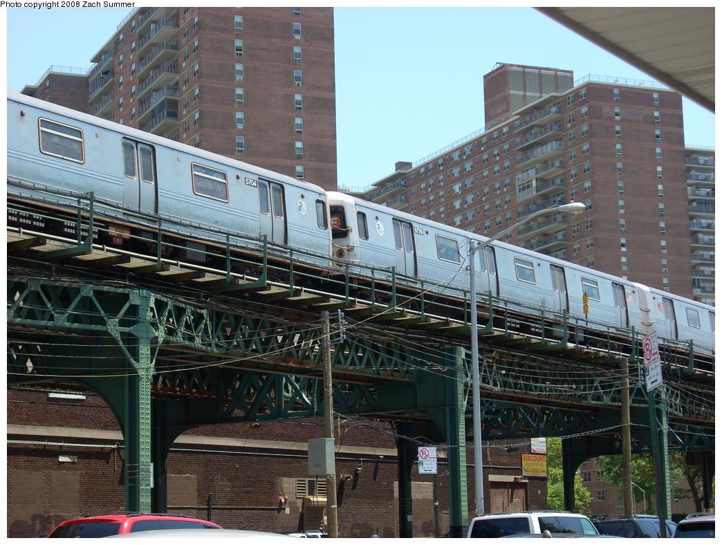 (317k, 1044x788)<br><b>Country:</b> United States<br><b>City:</b> New York<br><b>System:</b> New York City Transit<br><b>Line:</b> BMT Culver Line<br><b>Location:</b> Neptune Avenue<br><b>Route:</b> F<br><b>Car:</b> R-46 (Pullman-Standard, 1974-75) 5778 <br><b>Photo by:</b> Zach Summer<br><b>Date:</b> 7/15/2008<br><b>Viewed (this week/total):</b> 2 / 1735