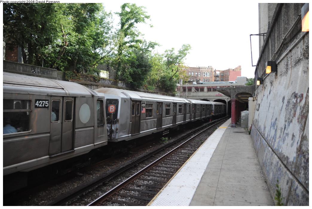 (286k, 1044x701)<br><b>Country:</b> United States<br><b>City:</b> New York<br><b>System:</b> New York City Transit<br><b>Line:</b> BMT Brighton Line<br><b>Location:</b> Parkside Avenue<br><b>Route:</b> B<br><b>Car:</b> R-40 (St. Louis, 1968) 4295 <br><b>Photo by:</b> David Pirmann<br><b>Date:</b> 8/27/2008<br><b>Viewed (this week/total):</b> 2 / 1656