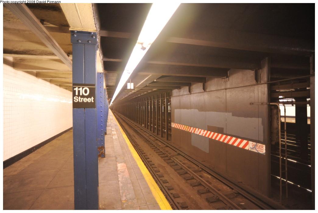 (221k, 1044x701)<br><b>Country:</b> United States<br><b>City:</b> New York<br><b>System:</b> New York City Transit<br><b>Line:</b> IND 8th Avenue Line<br><b>Location:</b> 110th Street/Cathedral Parkway<br><b>Photo by:</b> David Pirmann<br><b>Date:</b> 8/27/2008<br><b>Viewed (this week/total):</b> 0 / 2820
