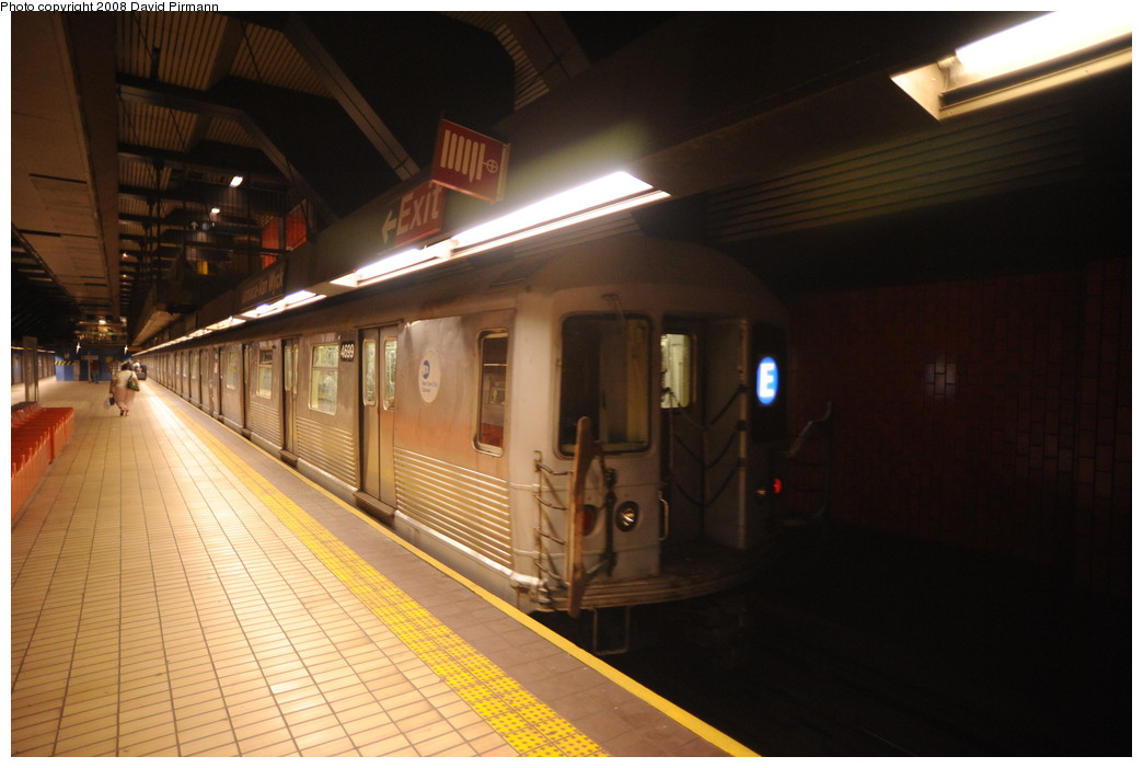 (216k, 1044x701)<br><b>Country:</b> United States<br><b>City:</b> New York<br><b>System:</b> New York City Transit<br><b>Line:</b> IND Queens Boulevard Line<br><b>Location:</b> Jamaica/Van Wyck<br><b>Route:</b> E<br><b>Car:</b> R-42 (St. Louis, 1969-1970) 4699 <br><b>Photo by:</b> David Pirmann<br><b>Date:</b> 8/27/2008<br><b>Viewed (this week/total):</b> 4 / 2070