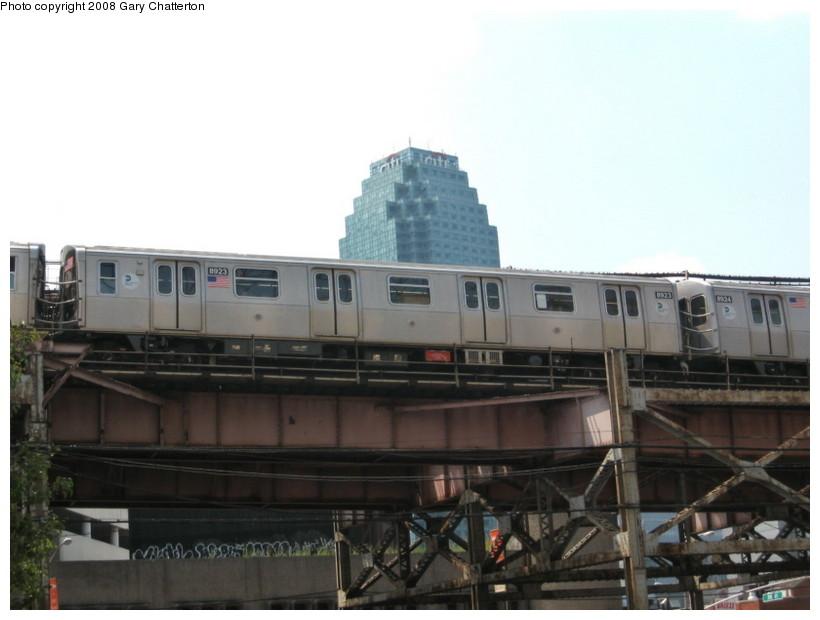 (95k, 820x620)<br><b>Country:</b> United States<br><b>City:</b> New York<br><b>System:</b> New York City Transit<br><b>Line:</b> BMT Astoria Line<br><b>Location:</b> Queensborough Plaza<br><b>Route:</b> N<br><b>Car:</b> R-160B (Kawasaki, 2005-2008) 8923 <br><b>Photo by:</b> Gary Chatterton<br><b>Date:</b> 8/14/2008<br><b>Viewed (this week/total):</b> 2 / 3114