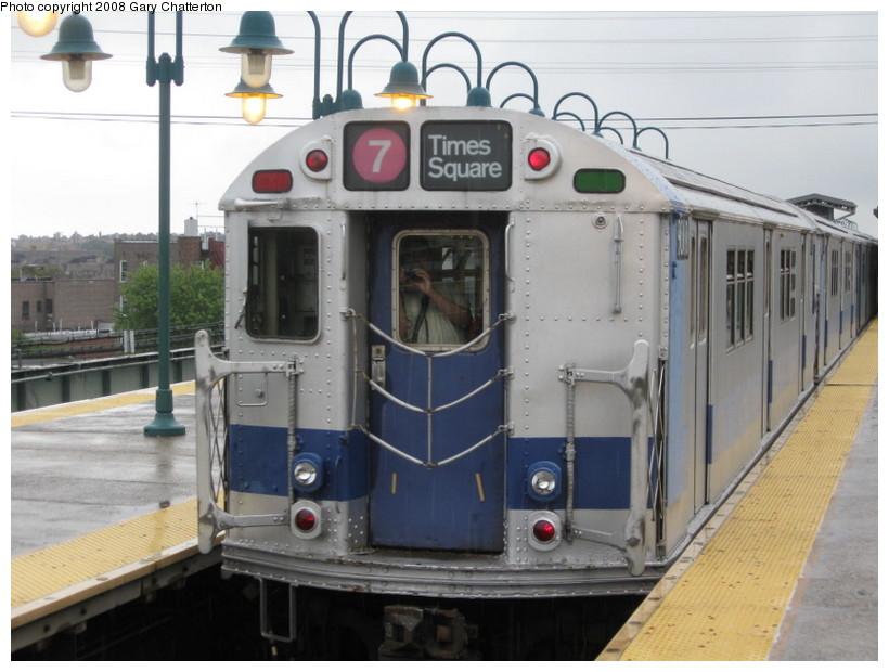 (125k, 820x620)<br><b>Country:</b> United States<br><b>City:</b> New York<br><b>System:</b> New York City Transit<br><b>Line:</b> IRT Flushing Line<br><b>Location:</b> 61st Street/Woodside<br><b>Route:</b> Museum Train Service (7)<br><b>Car:</b> R-33 Main Line (St. Louis, 1962-63) 9010 <br><b>Photo by:</b> Gary Chatterton<br><b>Date:</b> 9/28/2008<br><b>Notes:</b> Shea Stadium closing day special<br><b>Viewed (this week/total):</b> 2 / 2170