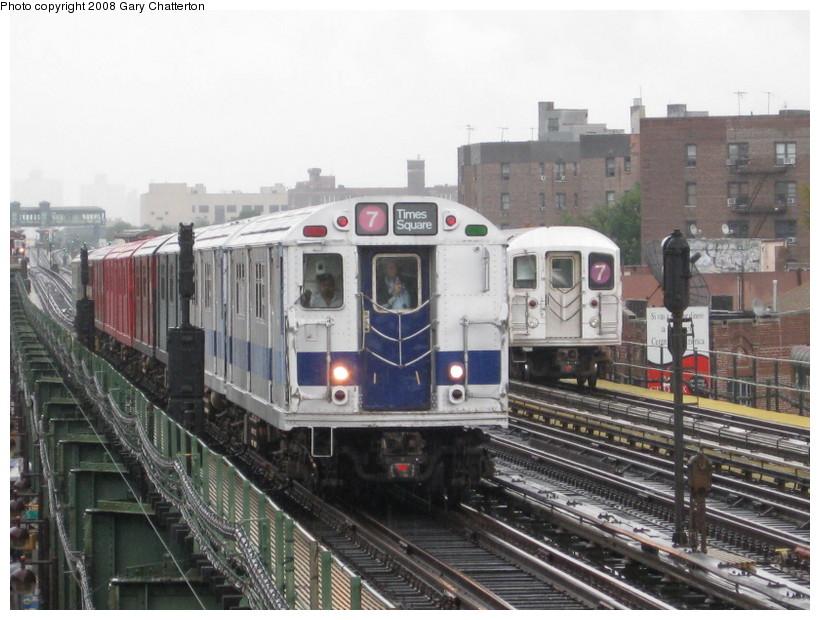 (143k, 820x620)<br><b>Country:</b> United States<br><b>City:</b> New York<br><b>System:</b> New York City Transit<br><b>Line:</b> IRT Flushing Line<br><b>Location:</b> 82nd Street/Jackson Heights<br><b>Route:</b> Museum Train Service (7)<br><b>Car:</b> R-33 Main Line (St. Louis, 1962-63) 9010 <br><b>Photo by:</b> Gary Chatterton<br><b>Date:</b> 9/28/2008<br><b>Notes:</b> Shea Stadium closing day special<br><b>Viewed (this week/total):</b> 6 / 2550