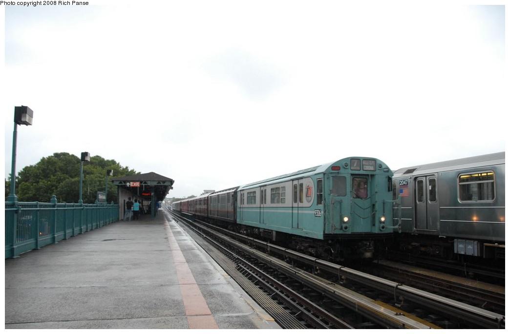 (113k, 1044x684)<br><b>Country:</b> United States<br><b>City:</b> New York<br><b>System:</b> New York City Transit<br><b>Line:</b> IRT Flushing Line<br><b>Location:</b> 103rd Street/Corona Plaza<br><b>Route:</b> Museum Train Service (7)<br><b>Car:</b> R-33 World's Fair (St. Louis, 1963-64) 9306 <br><b>Photo by:</b> Richard Panse<br><b>Date:</b> 9/28/2008<br><b>Viewed (this week/total):</b> 5 / 1970