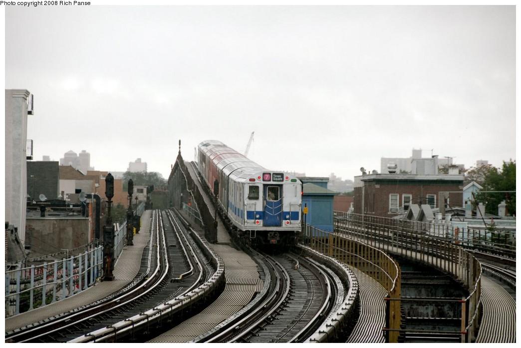 (167k, 1044x697)<br><b>Country:</b> United States<br><b>City:</b> New York<br><b>System:</b> New York City Transit<br><b>Line:</b> IRT Flushing Line<br><b>Location:</b> 103rd Street/Corona Plaza<br><b>Route:</b> Museum Train Service (7)<br><b>Car:</b> R-33 Main Line (St. Louis, 1962-63) 9010 <br><b>Photo by:</b> Richard Panse<br><b>Date:</b> 9/28/2008<br><b>Viewed (this week/total):</b> 1 / 2481