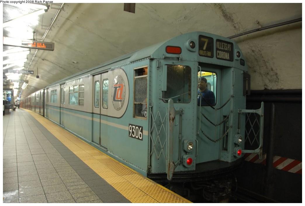 (170k, 1044x706)<br><b>Country:</b> United States<br><b>City:</b> New York<br><b>System:</b> New York City Transit<br><b>Line:</b> IRT Flushing Line<br><b>Location:</b> Grand Central<br><b>Route:</b> Museum Train Service (7)<br><b>Car:</b> R-33 World's Fair (St. Louis, 1963-64) 9306 <br><b>Photo by:</b> Richard Panse<br><b>Date:</b> 9/28/2008<br><b>Viewed (this week/total):</b> 0 / 2283