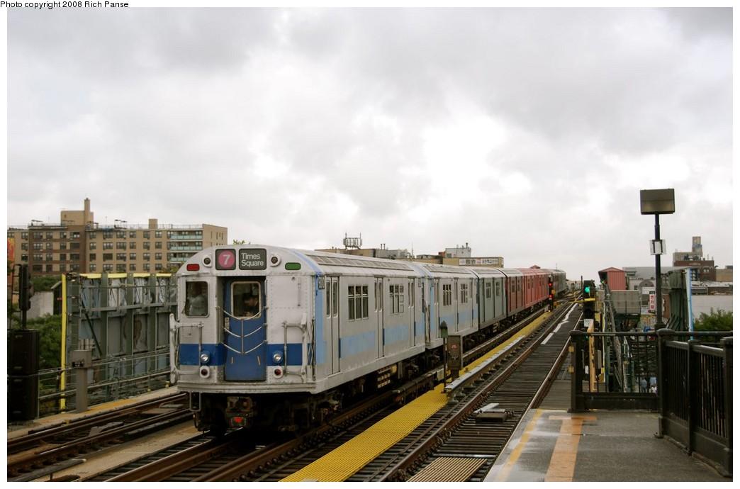 (148k, 1044x690)<br><b>Country:</b> United States<br><b>City:</b> New York<br><b>System:</b> New York City Transit<br><b>Line:</b> IRT Flushing Line<br><b>Location:</b> 69th Street/Fisk Avenue<br><b>Route:</b> Museum Train Service (7)<br><b>Car:</b> R-33 World's Fair (St. Louis, 1963-64) 9306 <br><b>Photo by:</b> Richard Panse<br><b>Date:</b> 9/28/2008<br><b>Viewed (this week/total):</b> 1 / 1859