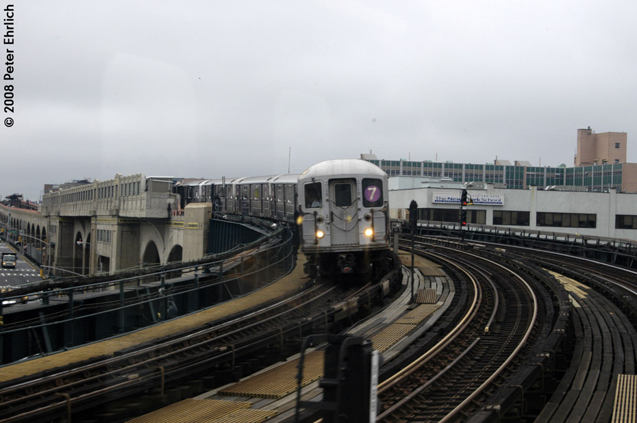 (173k, 930x618)<br><b>Country:</b> United States<br><b>City:</b> New York<br><b>System:</b> New York City Transit<br><b>Line:</b> IRT Flushing Line<br><b>Location:</b> 33rd Street/Rawson Street<br><b>Route:</b> 7<br><b>Car:</b> R-62A (Bombardier, 1984-1987) 1746 <br><b>Photo by:</b> Peter Ehrlich<br><b>Date:</b> 9/28/2008<br><b>Notes:</b> Leaving 33 Street-Rawson Street inbound.<br><b>Viewed (this week/total):</b> 2 / 1860
