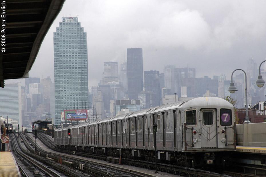 (171k, 930x618)<br><b>Country:</b> United States<br><b>City:</b> New York<br><b>System:</b> New York City Transit<br><b>Line:</b> IRT Flushing Line<br><b>Location:</b> 46th Street/Bliss Street<br><b>Route:</b> 7<br><b>Car:</b> R-62A (Bombardier, 1984-1987) 2145 <br><b>Photo by:</b> Peter Ehrlich<br><b>Date:</b> 9/28/2008<br><b>Notes:</b> Leaving 46 Street-Bliss Street inbound, trailing view.<br><b>Viewed (this week/total):</b> 1 / 1966