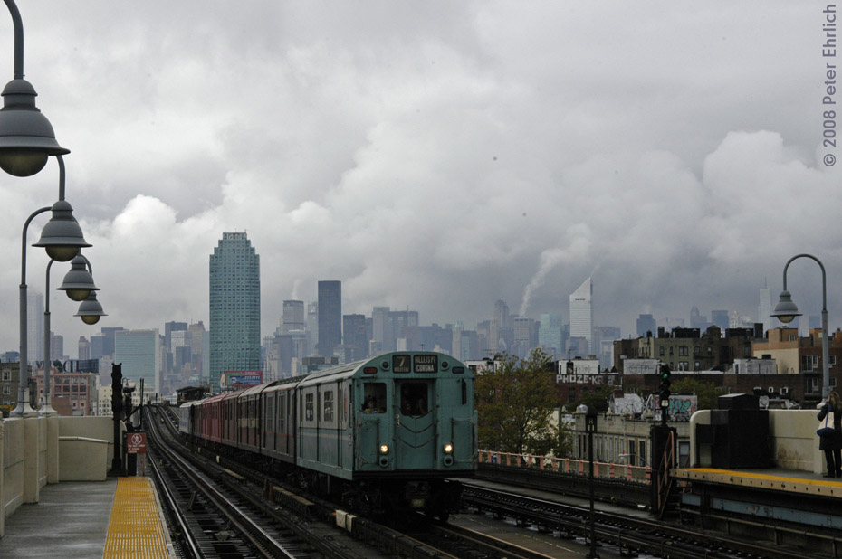 (157k, 930x618)<br><b>Country:</b> United States<br><b>City:</b> New York<br><b>System:</b> New York City Transit<br><b>Line:</b> IRT Flushing Line<br><b>Location:</b> 46th Street/Bliss Street<br><b>Route:</b> Museum Train Service (7)<br><b>Car:</b> R-33 World's Fair (St. Louis, 1963-64) 9306 <br><b>Photo by:</b> Peter Ehrlich<br><b>Date:</b> 9/28/2008<br><b>Notes:</b> 46 St-Bliss Street outbound.<br><b>Viewed (this week/total):</b> 2 / 2019