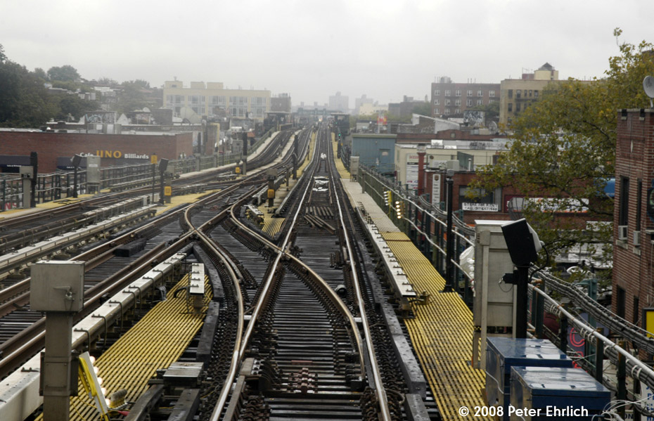 (233k, 930x599)<br><b>Country:</b> United States<br><b>City:</b> New York<br><b>System:</b> New York City Transit<br><b>Line:</b> IRT Flushing Line<br><b>Location:</b> 74th Street/Broadway<br><b>Photo by:</b> Peter Ehrlich<br><b>Date:</b> 9/28/2008<br><b>Notes:</b> New crossovers east of 74 St-Broadway Station, replacing the old ones between 61 St and 69 St.<br><b>Viewed (this week/total):</b> 4 / 1820