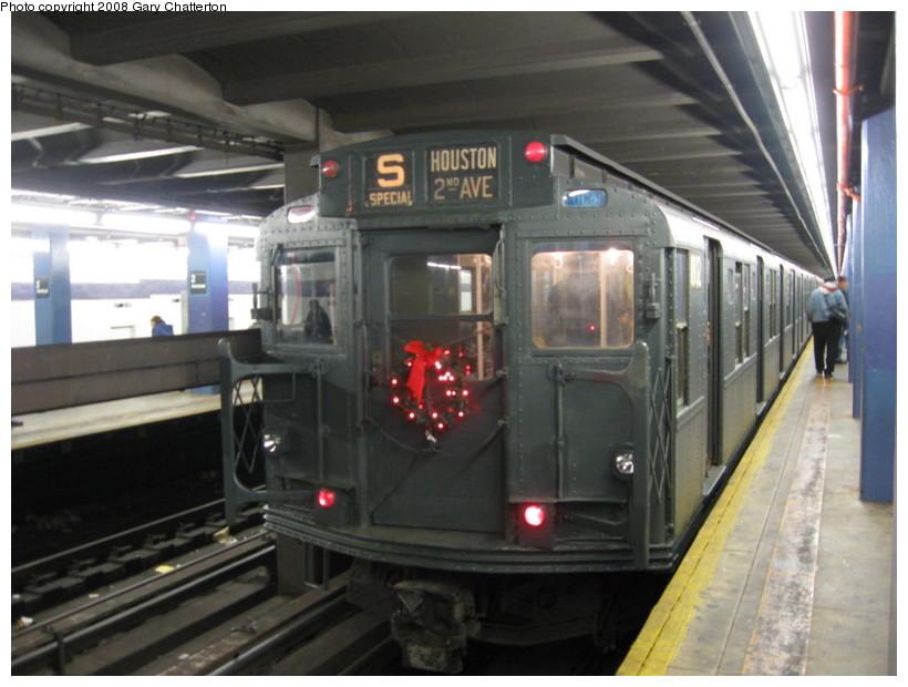 (122k, 820x620)<br><b>Country:</b> United States<br><b>City:</b> New York<br><b>System:</b> New York City Transit<br><b>Line:</b> IND 6th Avenue Line<br><b>Location:</b> 2nd Avenue<br><b>Route:</b> Museum Train Service (V)<br><b>Car:</b> R-9 (Pressed Steel, 1940) 1802 <br><b>Photo by:</b> Gary Chatterton<br><b>Date:</b> 11/30/2008<br><b>Viewed (this week/total):</b> 0 / 1652