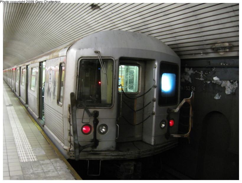 (123k, 820x620)<br><b>Country:</b> United States<br><b>City:</b> New York<br><b>System:</b> New York City Transit<br><b>Line:</b> IND Queens Boulevard Line<br><b>Location:</b> 5th Avenue/53rd Street<br><b>Route:</b> E<br><b>Car:</b> R-42 (St. Louis, 1969-1970) 4760 <br><b>Photo by:</b> Gary Chatterton<br><b>Date:</b> 12/14/2008<br><b>Viewed (this week/total):</b> 1 / 2291
