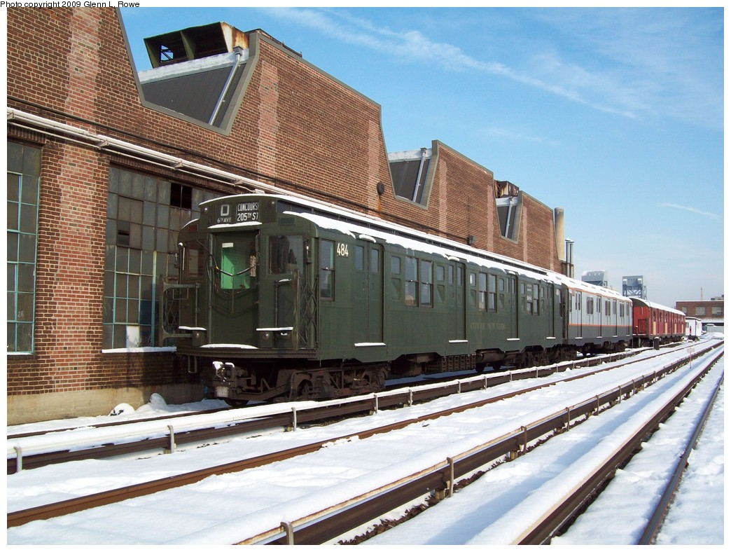 (260k, 1044x788)<br><b>Country:</b> United States<br><b>City:</b> New York<br><b>System:</b> New York City Transit<br><b>Location:</b> 207th Street Yard<br><b>Car:</b> R-4 (American Car & Foundry, 1932-1933) 484 <br><b>Photo by:</b> Glenn L. Rowe<br><b>Date:</b> 1/20/2009<br><b>Viewed (this week/total):</b> 2 / 3584