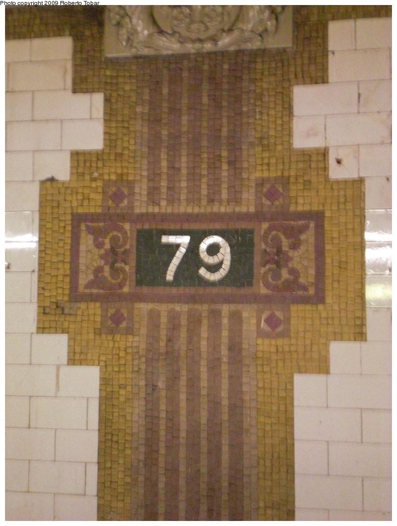 (217k, 788x1044)<br><b>Country:</b> United States<br><b>City:</b> New York<br><b>System:</b> New York City Transit<br><b>Line:</b> IRT West Side Line<br><b>Location:</b> 79th Street<br><b>Photo by:</b> Roberto C. Tobar<br><b>Date:</b> 2/27/2009<br><b>Viewed (this week/total):</b> 4 / 1956