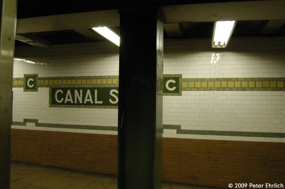 (157k, 930x618)<br><b>Country:</b> United States<br><b>City:</b> New York<br><b>System:</b> New York City Transit<br><b>Line:</b> IRT East Side Line<br><b>Location:</b> Canal Street<br><b>Photo by:</b> Peter Ehrlich<br><b>Date:</b> 2/24/2009<br><b>Notes:</b> Station tilework, northbound platform.<br><b>Viewed (this week/total):</b> 1 / 1586