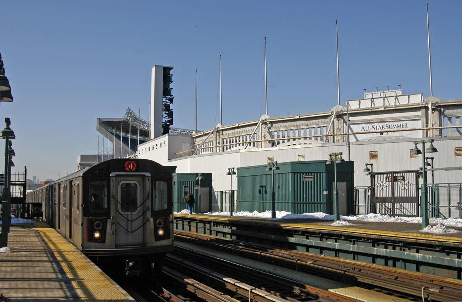 (197k, 930x609)<br><b>Country:</b> United States<br><b>City:</b> New York<br><b>System:</b> New York City Transit<br><b>Line:</b> IRT Woodlawn Line<br><b>Location:</b> 161st Street-River Avenue (Yankee Stadium)<br><b>Route:</b> 4<br><b>Car:</b> R-142 (Option Order, Bombardier, 2002-2003) 1115 <br><b>Photo by:</b> Peter Ehrlich<br><b>Date:</b> 3/4/2009<br><b>Notes:</b> Outbound.<br><b>Viewed (this week/total):</b> 1 / 1404