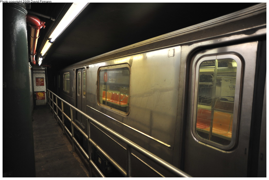 (203k, 1044x701)<br><b>Country:</b> United States<br><b>City:</b> New York<br><b>System:</b> New York City Transit<br><b>Line:</b> IRT West Side Line<br><b>Location:</b> South Ferry (Outer Loop Station)<br><b>Route:</b> 1<br><b>Car:</b> R-62A (Bombardier, 1984-1987)  <br><b>Photo by:</b> David Pirmann<br><b>Date:</b> 3/15/2009<br><b>Notes:</b> 6th Car of train- rear half does not open. Final day of revenue service at loop station.<br><b>Viewed (this week/total):</b> 0 / 1884