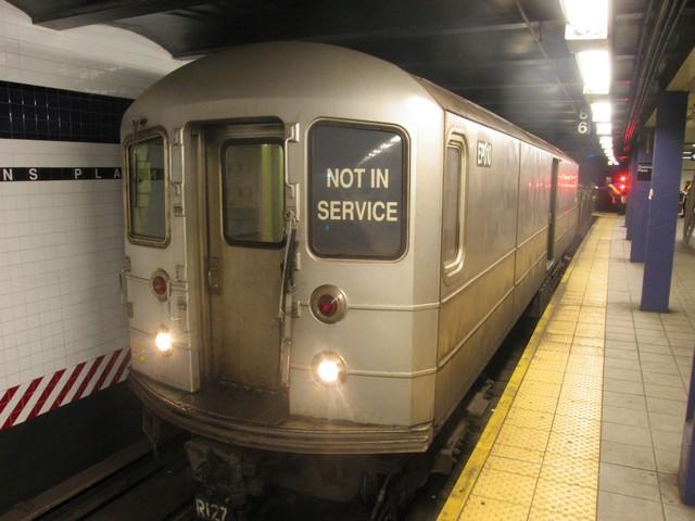 (73k, 640x480)<br><b>Country:</b> United States<br><b>City:</b> New York<br><b>System:</b> New York City Transit<br><b>Line:</b> IND Queens Boulevard Line<br><b>Location:</b> Queens Plaza<br><b>Route:</b> Work Service<br><b>Car:</b> R-127/R-134 (Kawasaki, 1991-1996) EP010 <br><b>Photo by:</b> Oren H.<br><b>Date:</b> 12/16/2007<br><b>Viewed (this week/total):</b> 1 / 1551