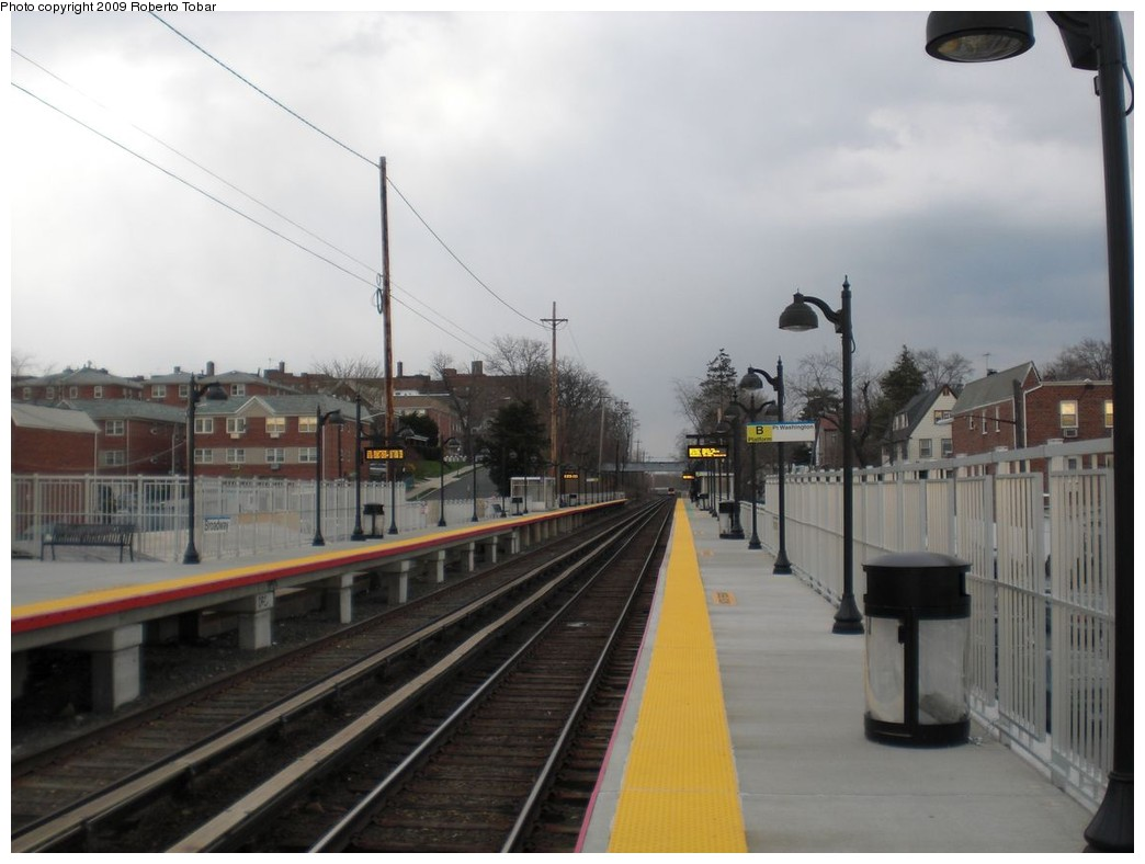 (182k, 1044x788)<br><b>Country:</b> United States<br><b>System:</b> Long Island Rail Road<br><b>Line:</b> LIRR Port Washington<br><b>Location:</b> Broadway<br><b>Photo by:</b> Roberto C. Tobar<br><b>Date:</b> 4/8/2009<br><b>Viewed (this week/total):</b> 3 / 790